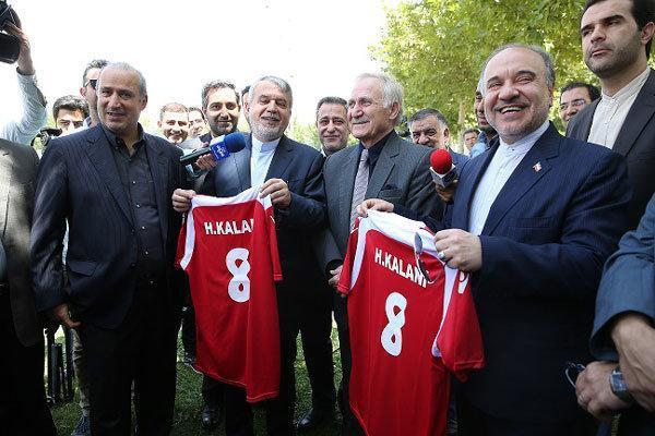 مردم انتظار دارند تیم ملی فوتبال قهرمان آسیا گردد