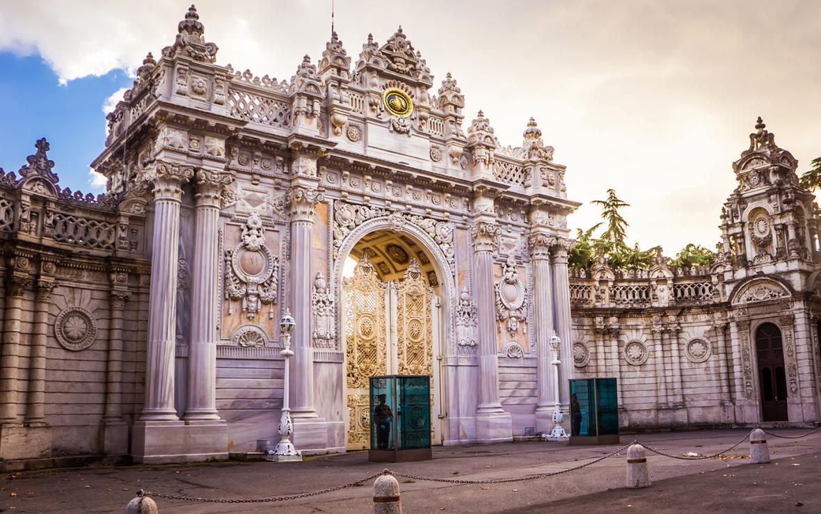 کاخ دلما باغچه ، استانبول Dolmabah&ccedile Palace