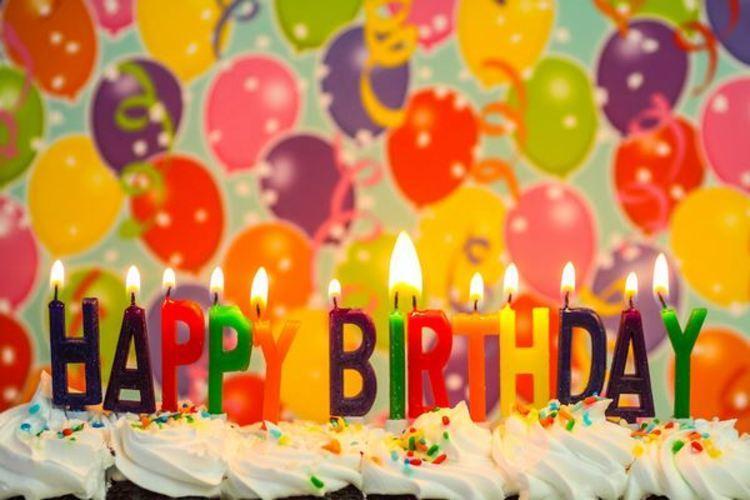 تبریک تولد رویایی با تم تولد و تزیین کیک تولد خانگی
