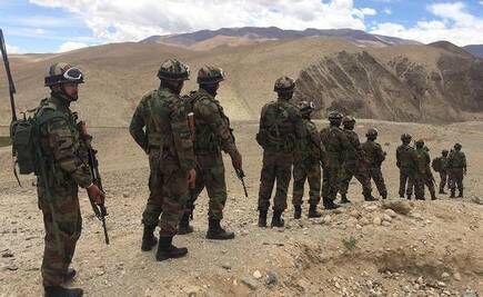 خبرنگاران 8 نیروی نظامی هند و چین کشته شدند