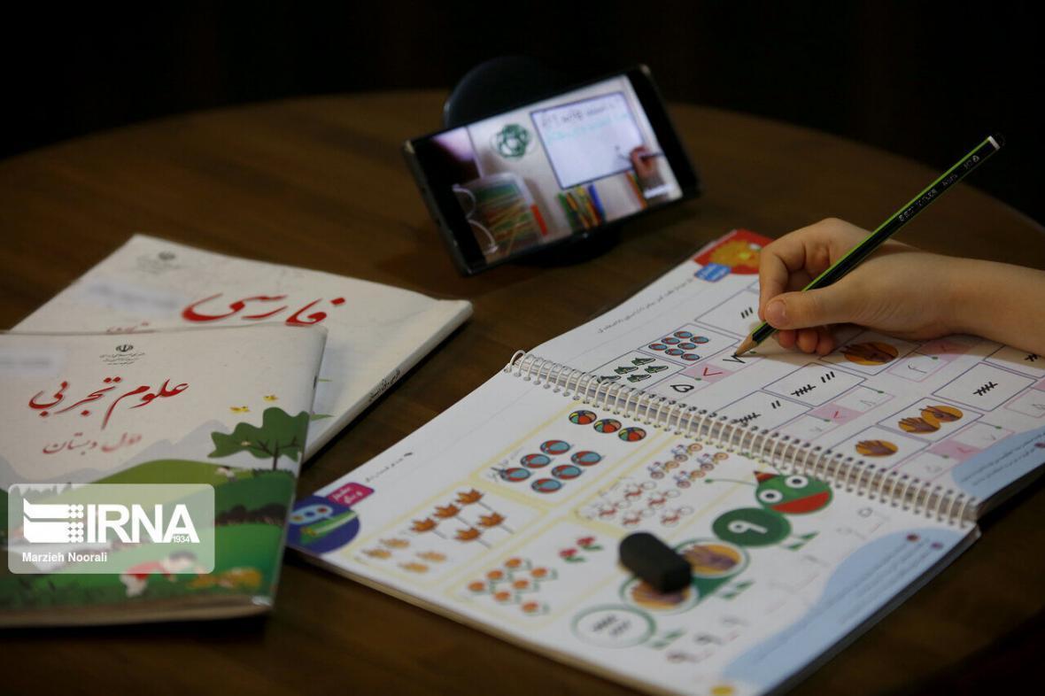خبرنگاران حضور دانش آموزان در کلاس های مجازی الزامی است