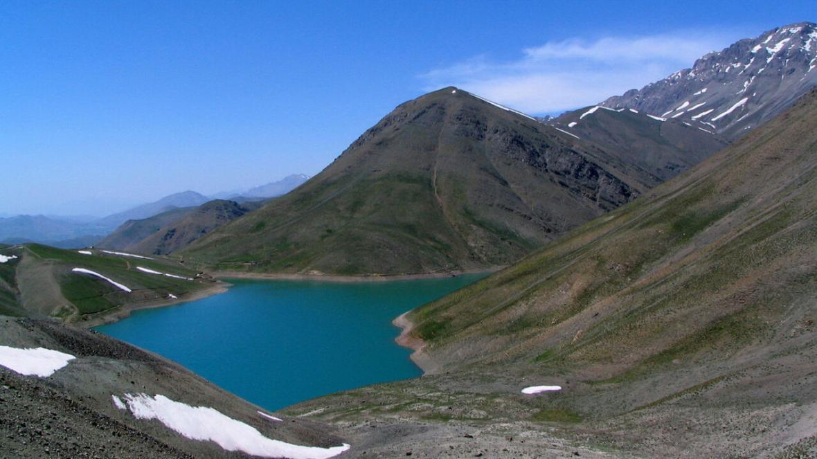 دریاچه تار؛ مقصدی رویایی برای طرفداران آرامش، اگر مسافر این دریاچه هستید بخوانید!