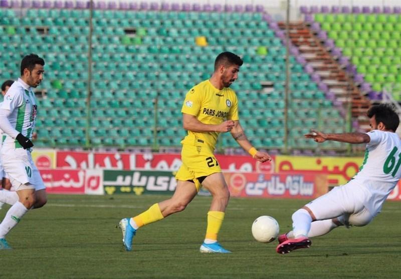 همتی: استقلال بازیکنان خیلی خوبی دارد و پتانسیل قهرمانی داشت، دربی بوشهر برای من خیلی جالب است