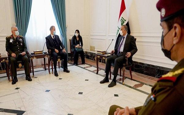 ملاقات وزیر دفاع ترکیه با نخست وزیر عراق و تأکید طرفین بر مبارزه با تروریسم