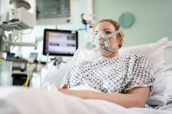 در بخش مراقبت های ویژه برای بیمار کرونایی چه اتفاقی می افتد؟