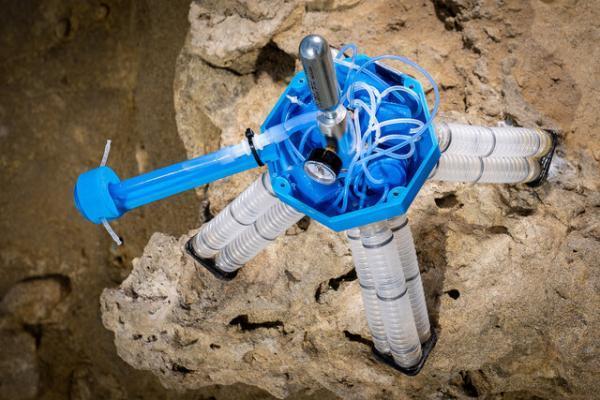 روباتی که با هوای تحت فشار حرکت می کند