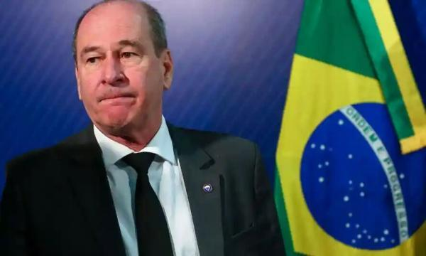 خبرنگاران استعفای فرماندهان ارتش برزیل در اعتراض به عملکرد بولسونارو