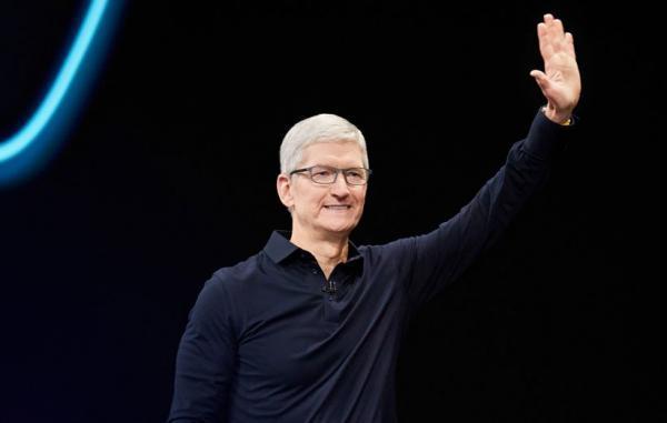 تیم کوک بابت مدیریت اپل در 10 سال گذشته مبلغ 740 میلیون دلار پاداش می گیرد